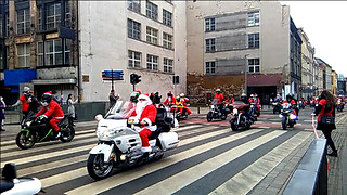 Santa Clauses on motorcycles - Video
