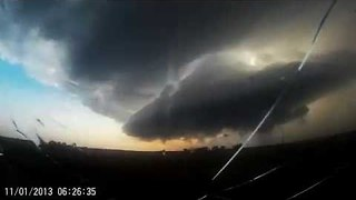 Timelapse Shows 'Mothership' Supercell Structure - Video