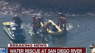 Man wanted on warrants flees to San Diego River