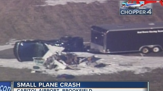 Small plane crashes on takeoff in Brookfield, 3 people hurt - Video