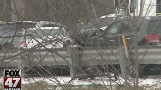 Messy roads cause crashes Thursday morning - Video