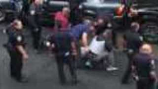 Video Shows NYPD Apprehend Suspect - Video