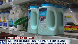 Detroiters prepare for winter storm - Video
