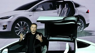 Elon Musk Wants Tesla To Become A Privately Held Company