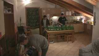 Pals Perform Flight of the Bumblebee Using 101 Empty Bottles - Video