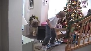 Kid gets skateboard for Christmas, totally freaks out
