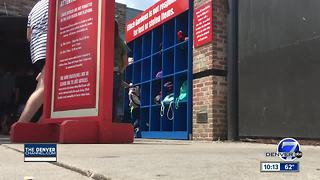Denver7 crew catches theft at Elitch Gardens on camera - Video
