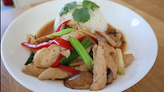 How to make Thai stir fry chicken with galangal (Gai Pad King)