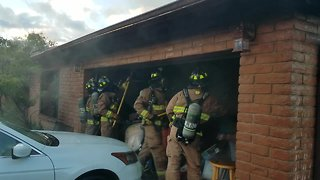 Rural Metro crews respond to early morning house fire - Video