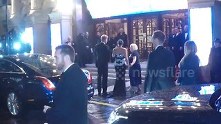 Meghan Markle arrives at Royal Variety Performance - Video