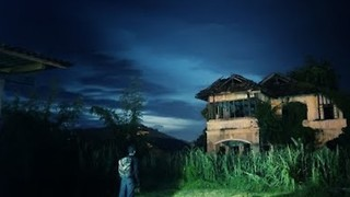 Man Explores Abandoned House in Malaysia - Video
