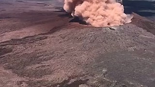 Pu'u 'O'o Volcanic Vent Churns Smoke Following Kilauea Eruption - Video