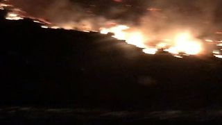 Ventura County Fire Forces Mass Evacuations and Leaves Households Without Power - Video