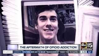 Mother warning others about warning signs of addiction - Video