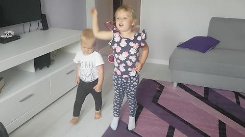 Adorable Baby Dancing Duo!