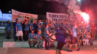 Anti austerity protesters storm Thessaloniki international fair - Video