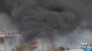Crews contain blaze in Nogales - Video