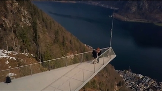 Drone Captures Man Proposing to Girlfriend in Stunning Setting - Video