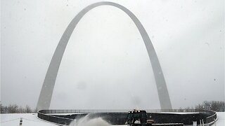Brr! American Midwesterners Urged To Stay Put During Massive Snowstorm