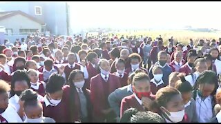WATCH: Sinethemba High School learners, teachers march in honour of murdered Amahle Quku (pHM)