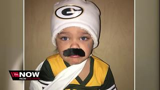 Little girl's Aaron Rodgers costume going viral