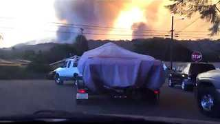 Timelapse Captures California Residents Evacuating Oxnard During Thomas Fire - Video