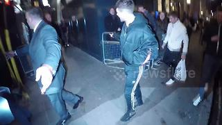 Louis Tomlinson arrives at The Royal Variety Performance - Video