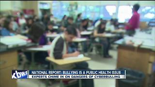 Tips for parents on monitoring cyberbullying - Video