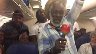 Haitian Musicians Perform on a Plane Delayed for Six Hours - Video