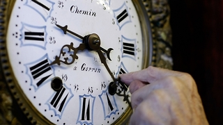 Florida Governor Rick Scott signs year-round Daylight Saving Time bill - Video