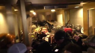 Mob Clashes with DC Capitol Police to Enter U.S. Senate Floor (Jan 6th)