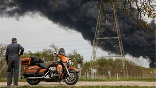 Smoke Seen For Miles From Deer Park, Texas Petrochemical Fire - Video