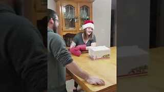 Family invents fun new Christmas game - Video