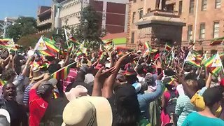 Anti-Mugabe Demonstrators March Through Bulawayo - Video