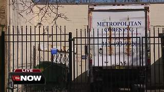 Detroit auto parts store employee shot & killed during robbery - Video