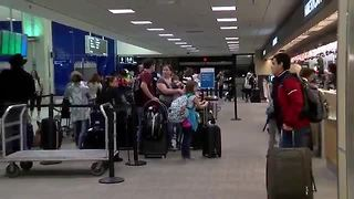 AAA predicts record travel over Christmas | Digital Short - Video