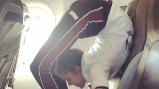Incredible Contortionist Squeezes Into Airplane Seat