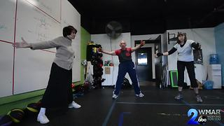Boxing gives Parkinson's patients a puncher's chance - Video