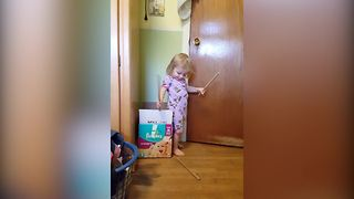 Hilarious Girl With A Box Episode - Video