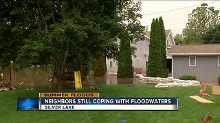 Residents near Fox River still  coping with floods - Video