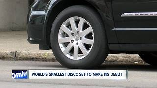 world's smallest disco - Video