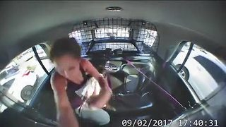 Watch as a Texas woman breaks out of handcuffs, steals police car - Video