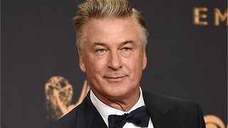 Alec Baldwin Tweets That He Could Beat Trump In Presidential Race