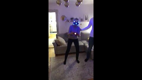 Epic mom VR fail is completely inevitable