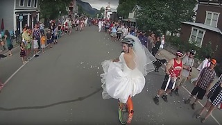 Witness the most hilarious bike race ever held - Video