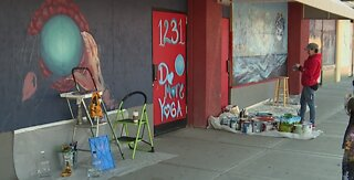 Vegas artist paints mural in Arts District