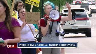 Manatee rally protests school policy on kneeling during National Anthem - Video