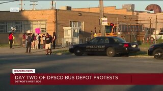Day 2: Protestors continue blocking buses as Detroit summer school opens amid virus