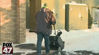 Volunteers needed to help shovel snow - Video