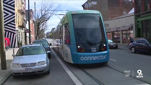Streetcar fare battle between mayor, city council heats up